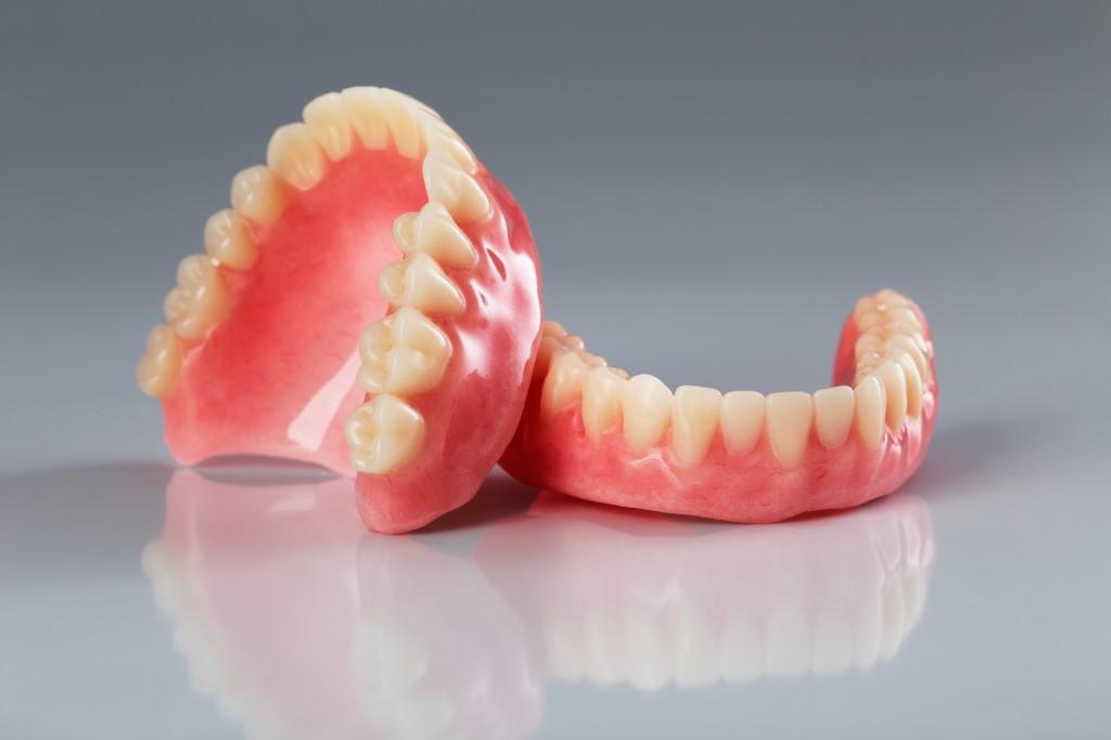 Zahnprothese mit 40 jahren