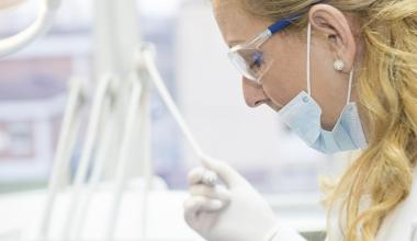 Wie verläuft die Wurzelkanalbehandlung? Wissenswertes, Interessantes