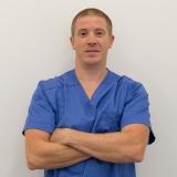 Dr. med. dent. Dénes Lukács - Oralchirurg bei CompletDent