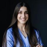 Lilla Csihar - Zahnarztassistentin bei CompletDent